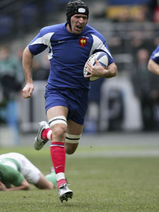 Olivier Magne gallops in for France